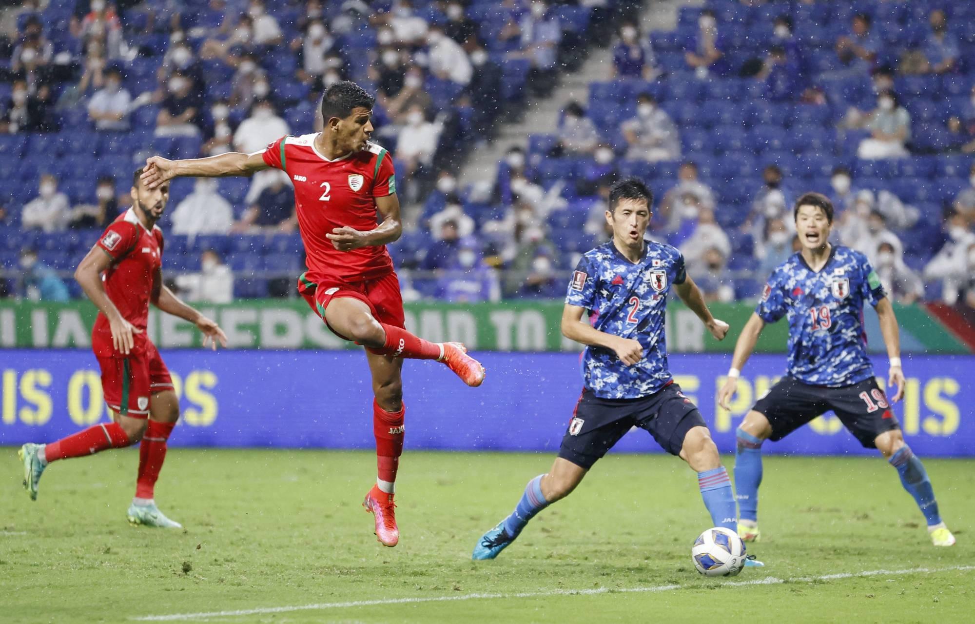Nhật Bản chịu thua sốc 0-1 trước Oman ngay lượt trận đầu tiên của bảng B vòng loại World Cup 2022