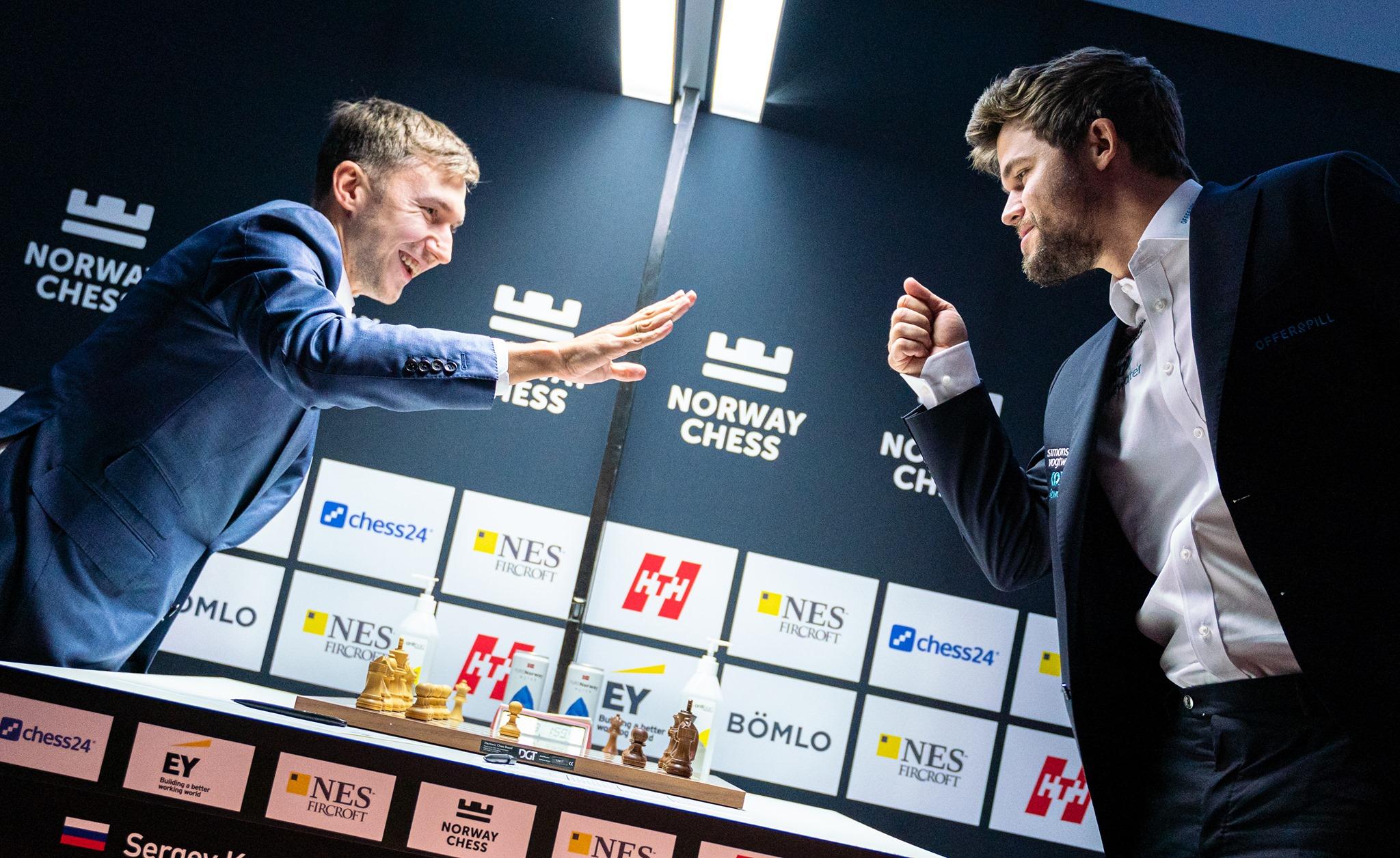 Sergey Karjakin và Magnus Carlsen tại siêu giải Na Uy