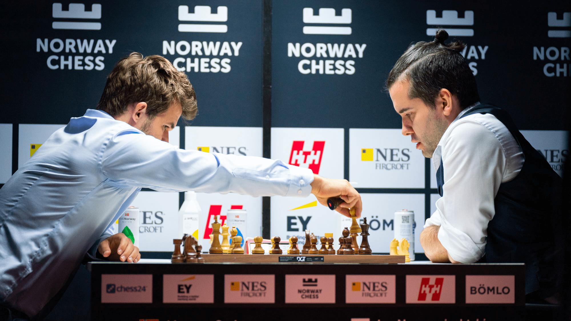 Sau trận đấu với Nepomniachtchi, Carlsen chính thức vô địch siêu giải Na Uy