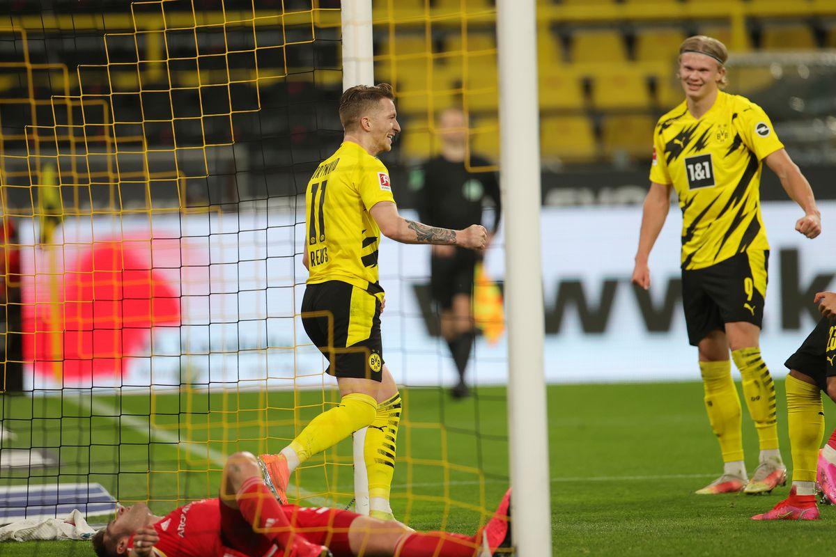 Dortmund chơi lấn lướt đối thủ ngay từ những phút đầu của trận đấu