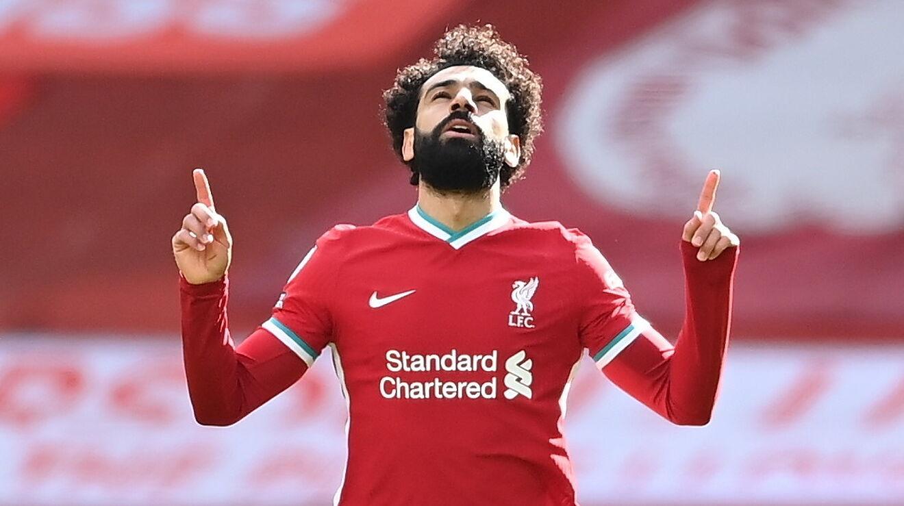 Mohamed Salah vừa đá hỏng phạt đền vừa ghi bàn cho Liverpool