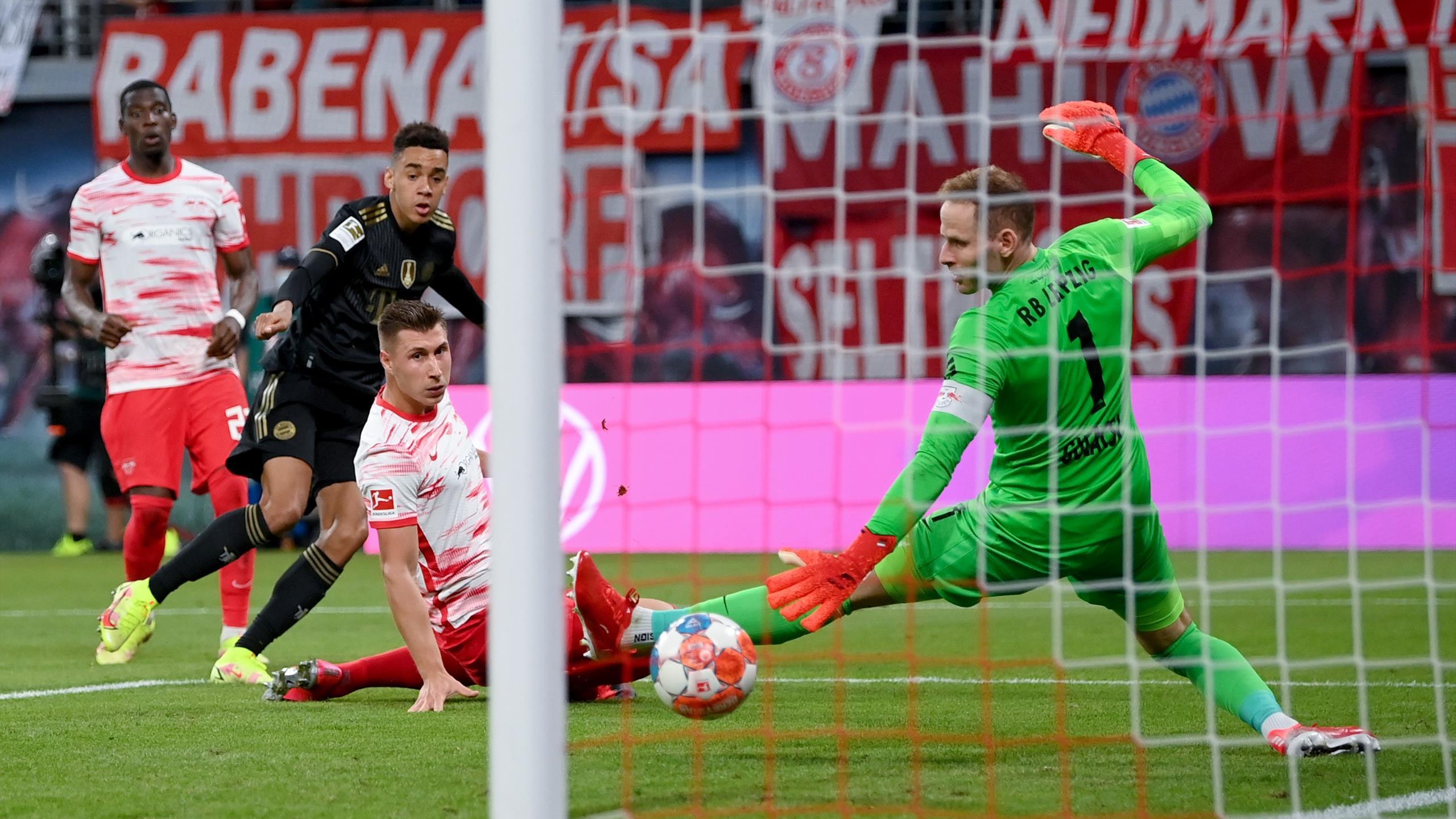 Hiệp 2 Bayern Munich ghi thêm 3 bàn ấn định chiến thắng 4-1