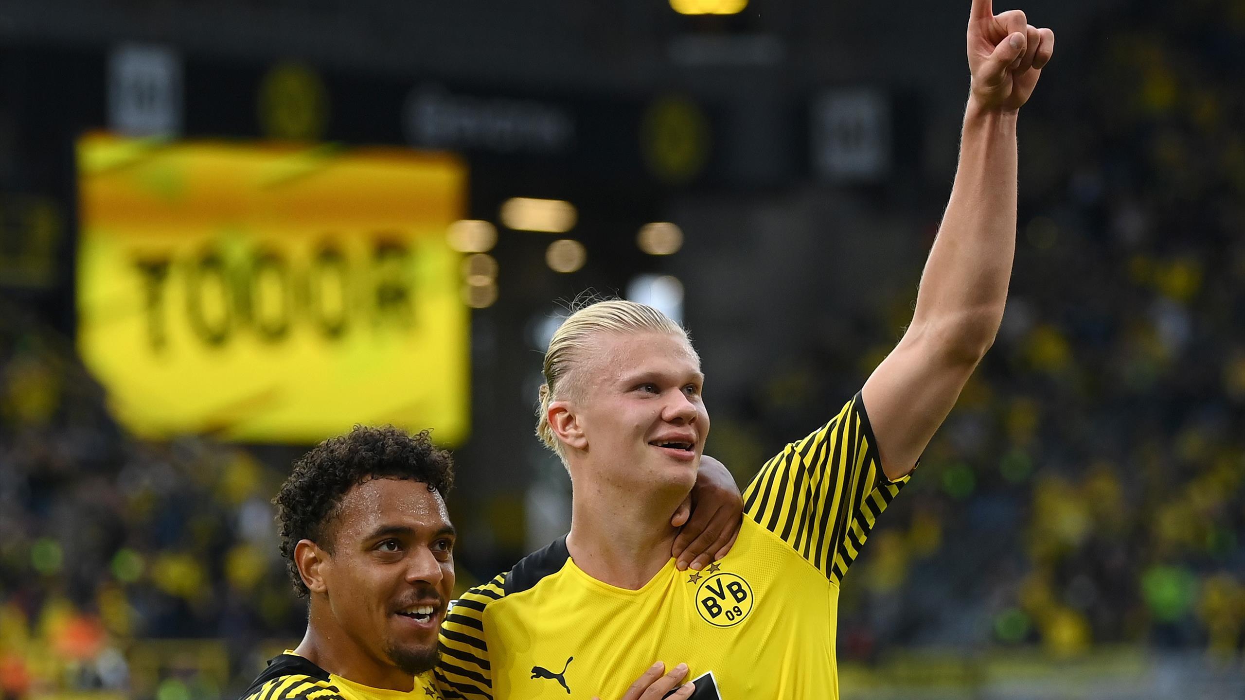 Haaland lập siêu phẩm giúp Dortmund ấn định chiến thắng 4-2 chung cuộc