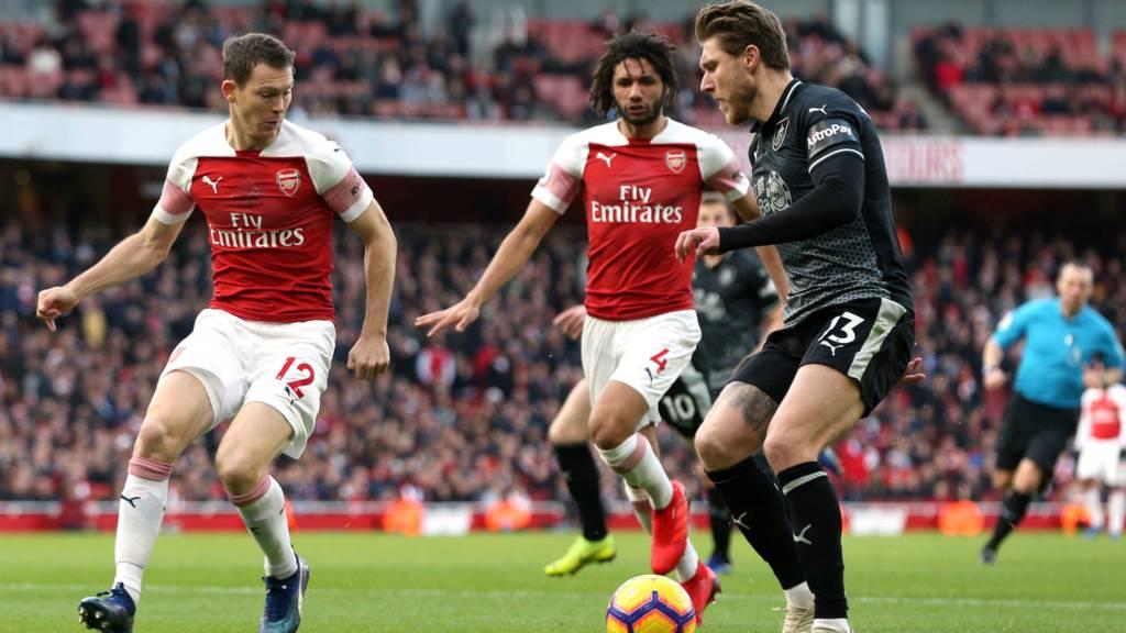 Arsenal và Burnley