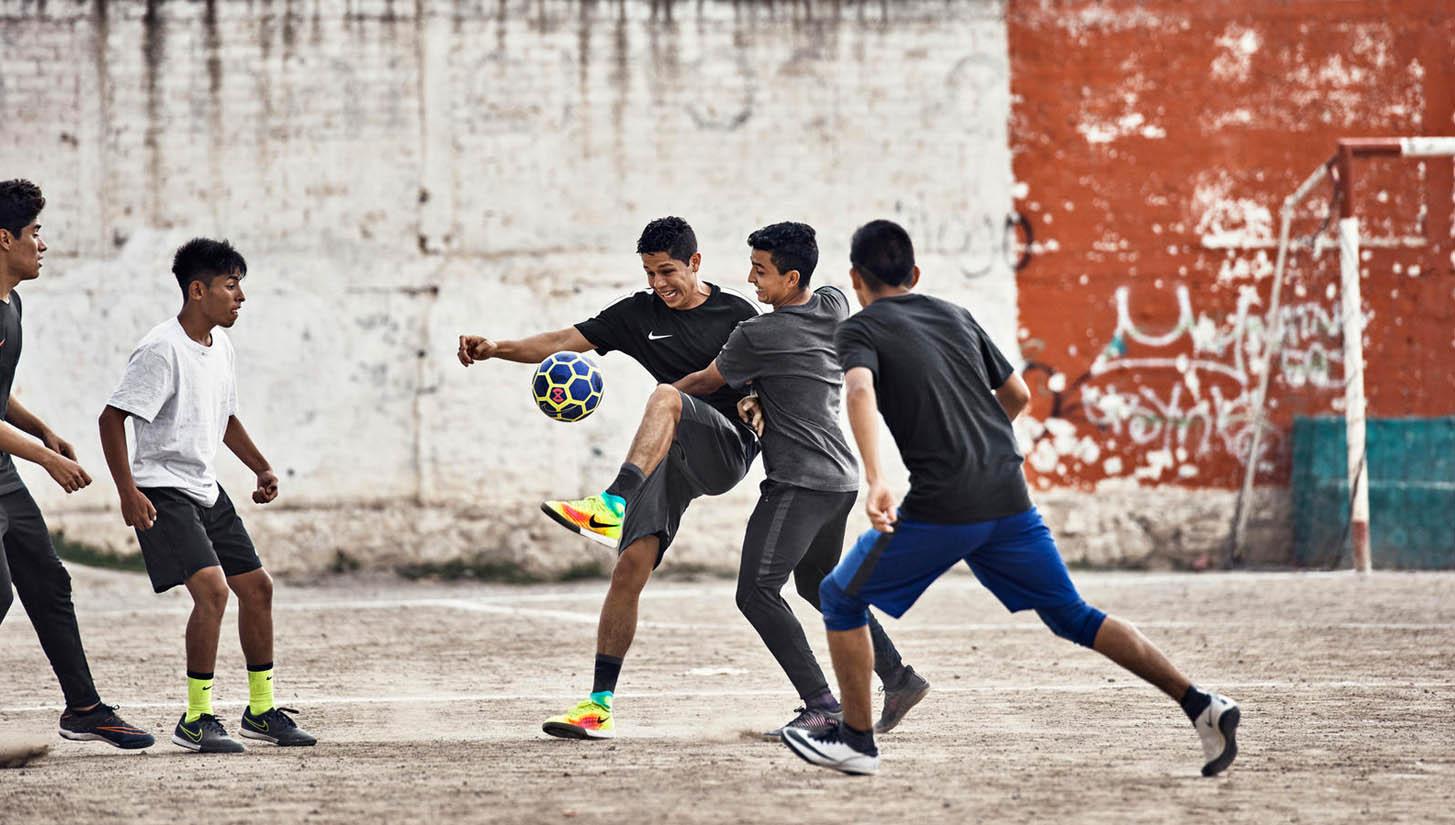 Bí quyết giữ sức và không bị mệt nhanh khi chơi bóng đá