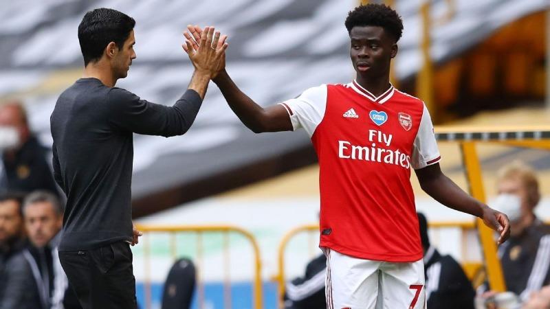 HLV Mikel Arteta đã chia sẻ lý do Bukayo Saka gây thất vọng ở giai đoạn đầu mùa giải năm nay