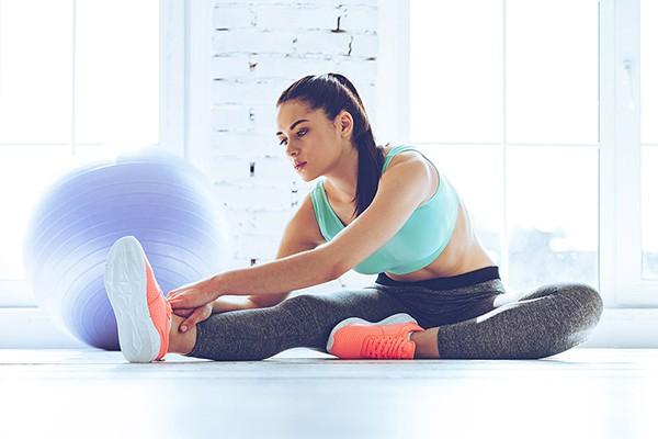 Động tác giãn cơ chân