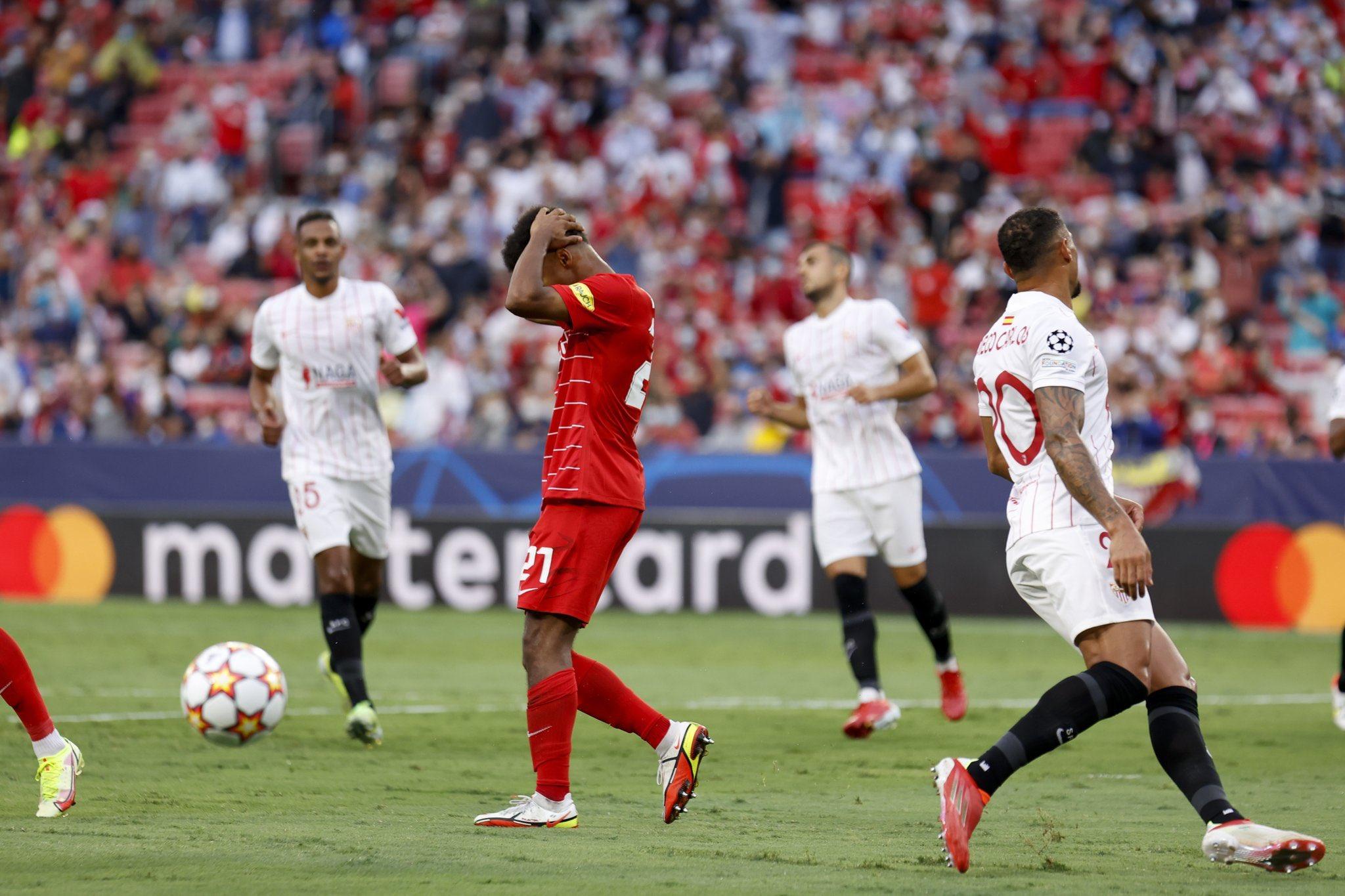 Sevilla hòa Salzburg với tỷ số 1-1 ngay trên sân nhà