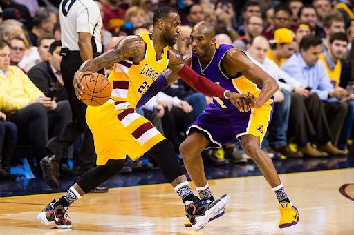 Hướng dẫn thực hiện kỹ thuật đột phá cá nhân trong bóng rổ