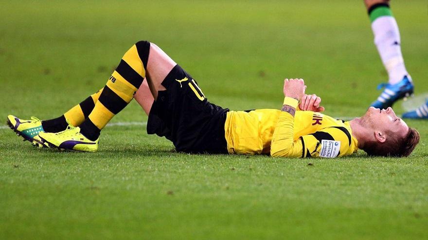 Khắc phục chấn thương đầu gối khi đá bóng