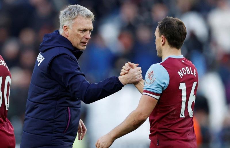 Cựu cầu thủ Graeme Souness cho rằng quyết định thay Mark Noble của David Moyes là hoàn toàn sai lầm.