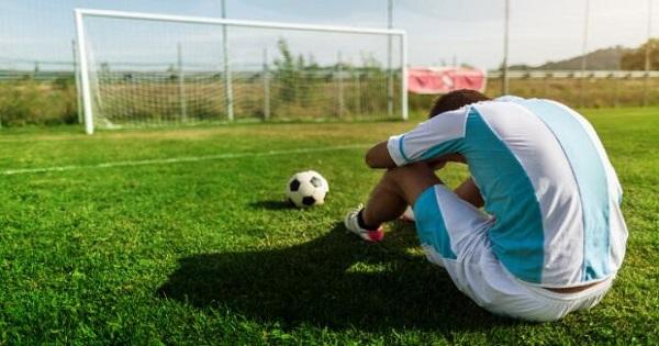 Tác hại của việc mất nước khi thi đấu bóng đá
