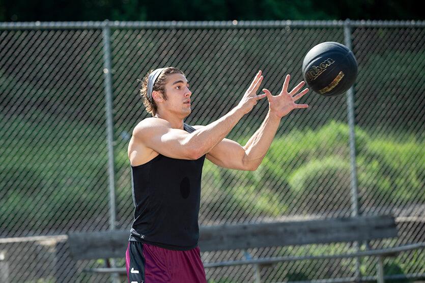 Tầm quan trọng của kỹ thuật bắt bóng trong bóng rổ