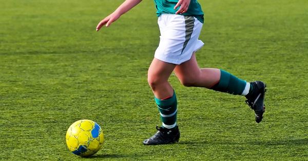 Tìm hiểu chi tiết các kỹ thuật di chuyển trong bóng đá