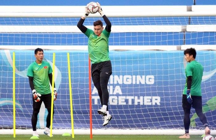 Yếu tố kỹ thuật bắt bóng cho thủ môn