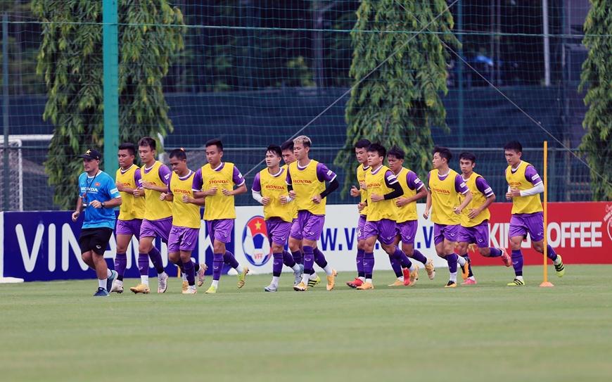 Đội tuyển quốc gia Việt Nam rèn luyện thể lực chuẩn bị cho trận tiếp theo