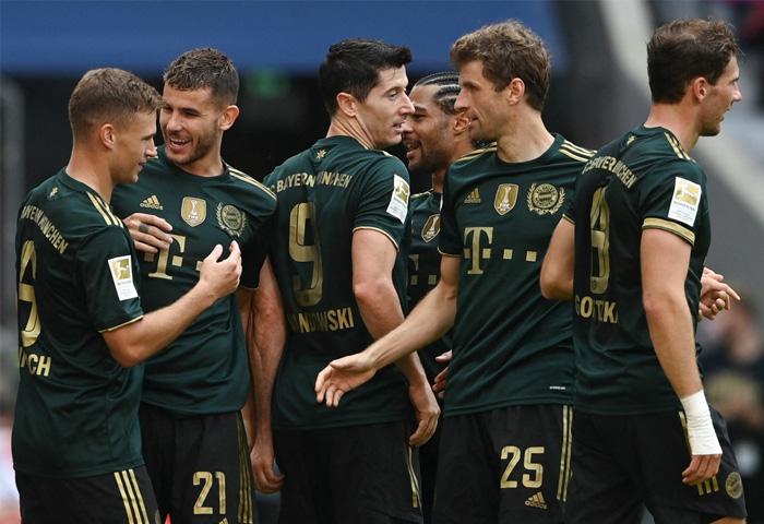 Lewandowski được đá chính ngay từ đầu ở trận đấu giữa Bayern và Bochum