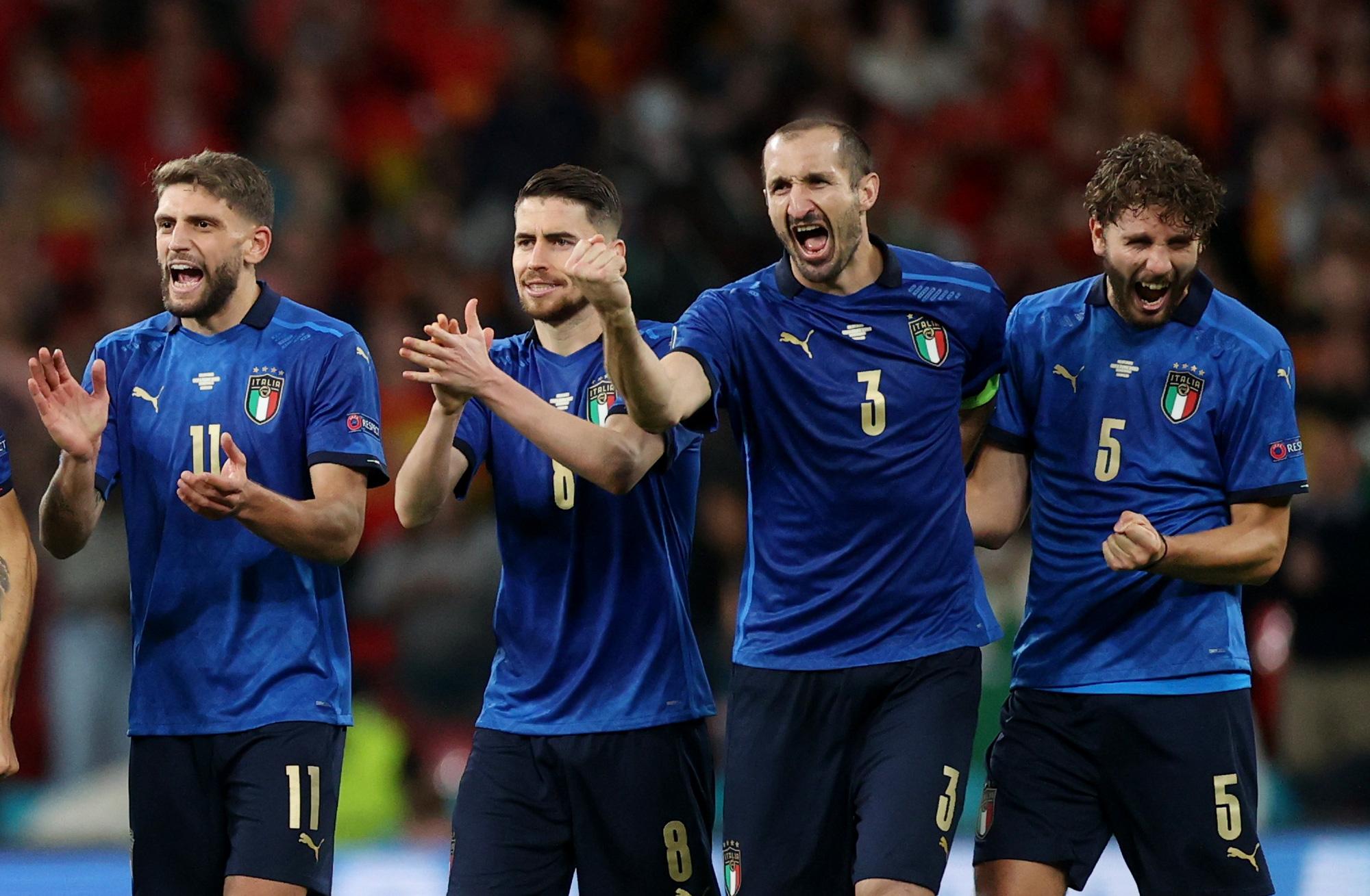 Mặc dù được đánh giá cao hơn tuyển Anh nhưng Chiellini vẫn dành cho đối thủ lời khen có cánh