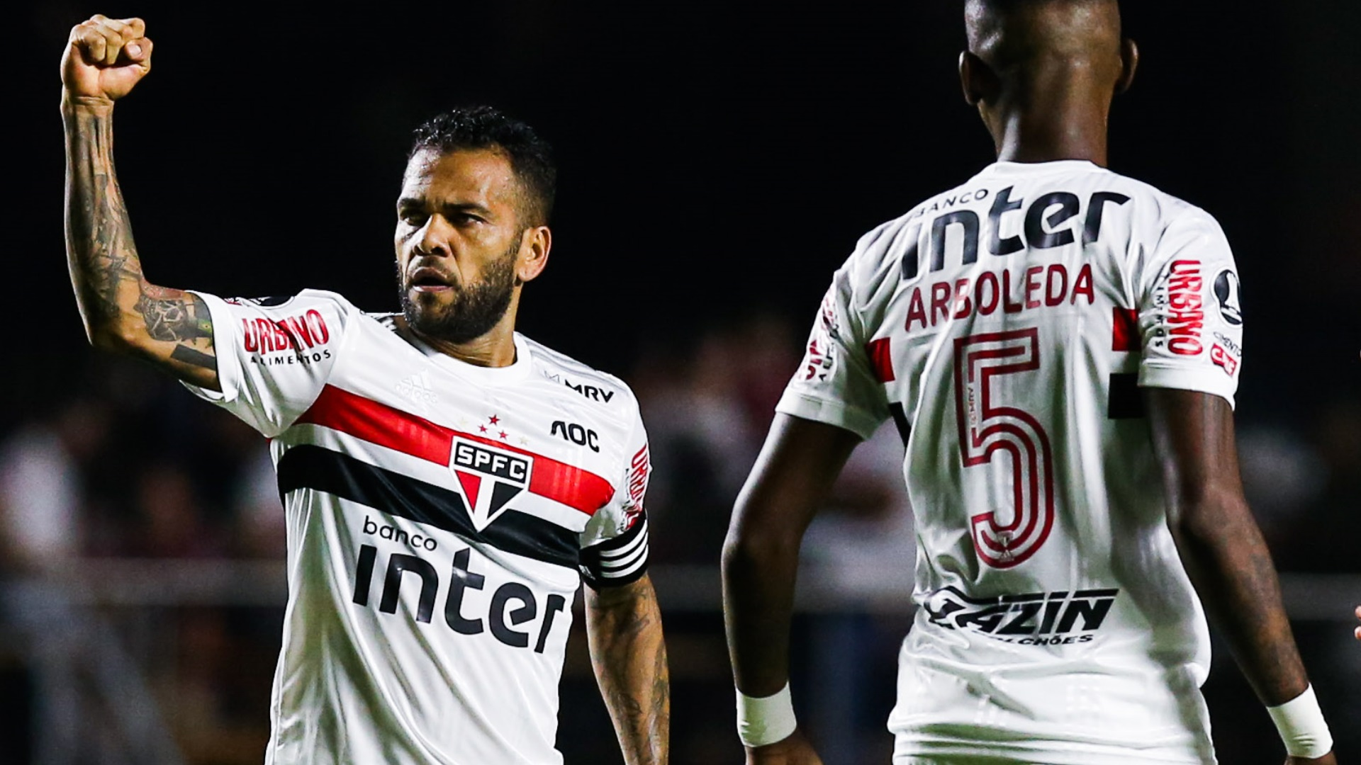 Dani Alves rời Sao Paulo vì không được CLB chủ quản thanh toán đầy đủ lương thưởng