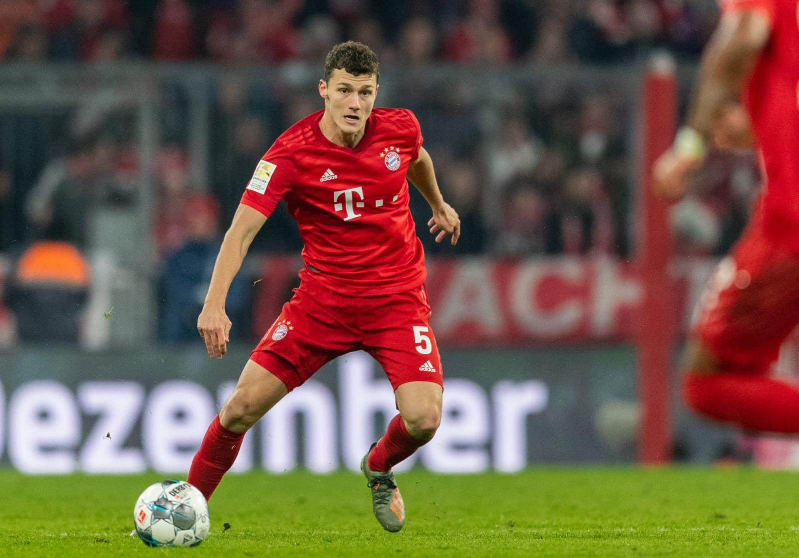 Benjamin Pavard mong muốn được chơi ở vị trí trung vệ cho Bayern