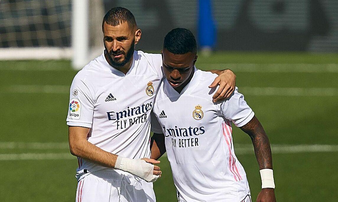 Benzema và Vinicius khiến hàng công Real Madrid tỏa sáng