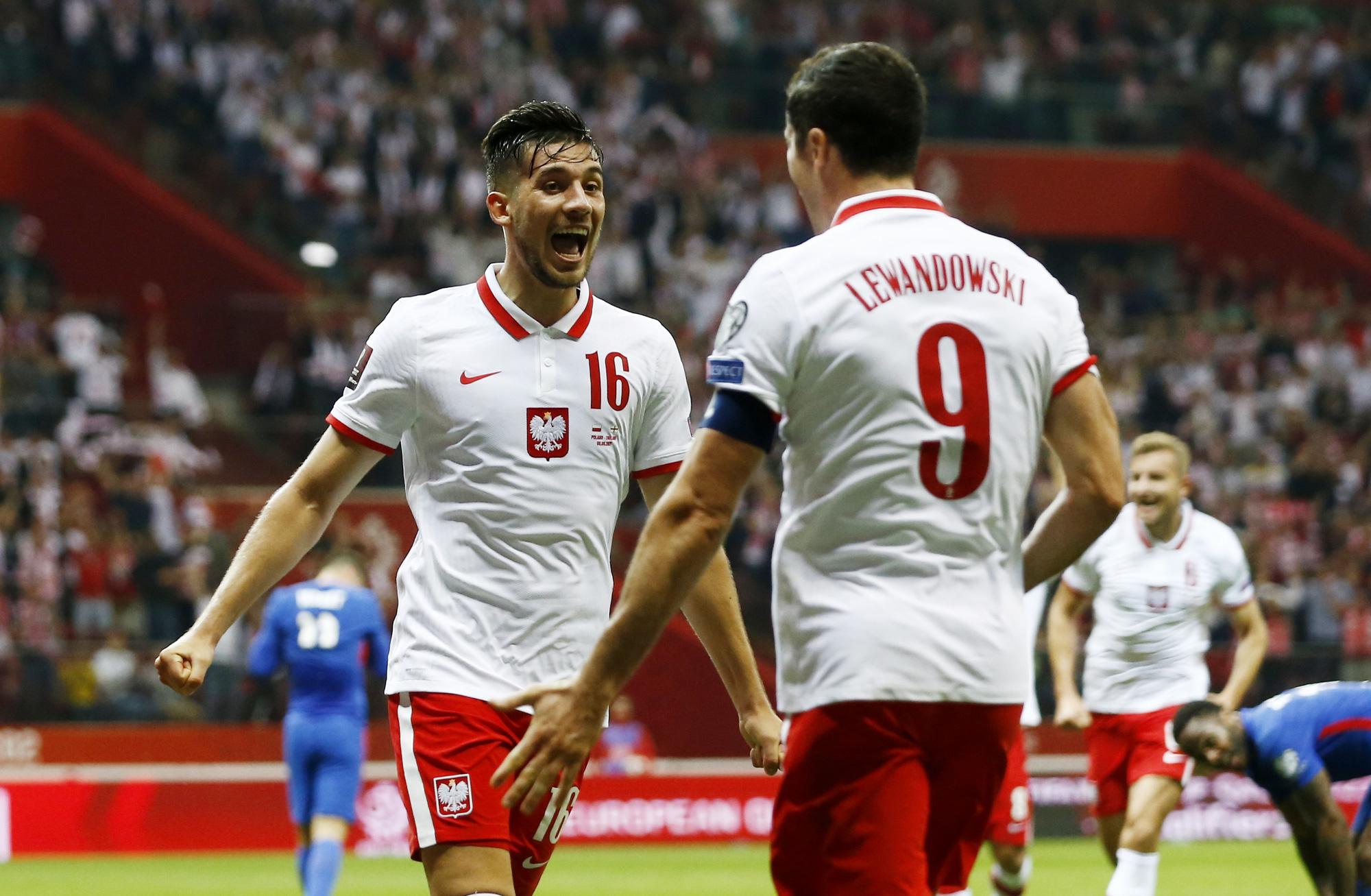 Ba Lan ghi bàn ấn định tỷ số hòa 1-1