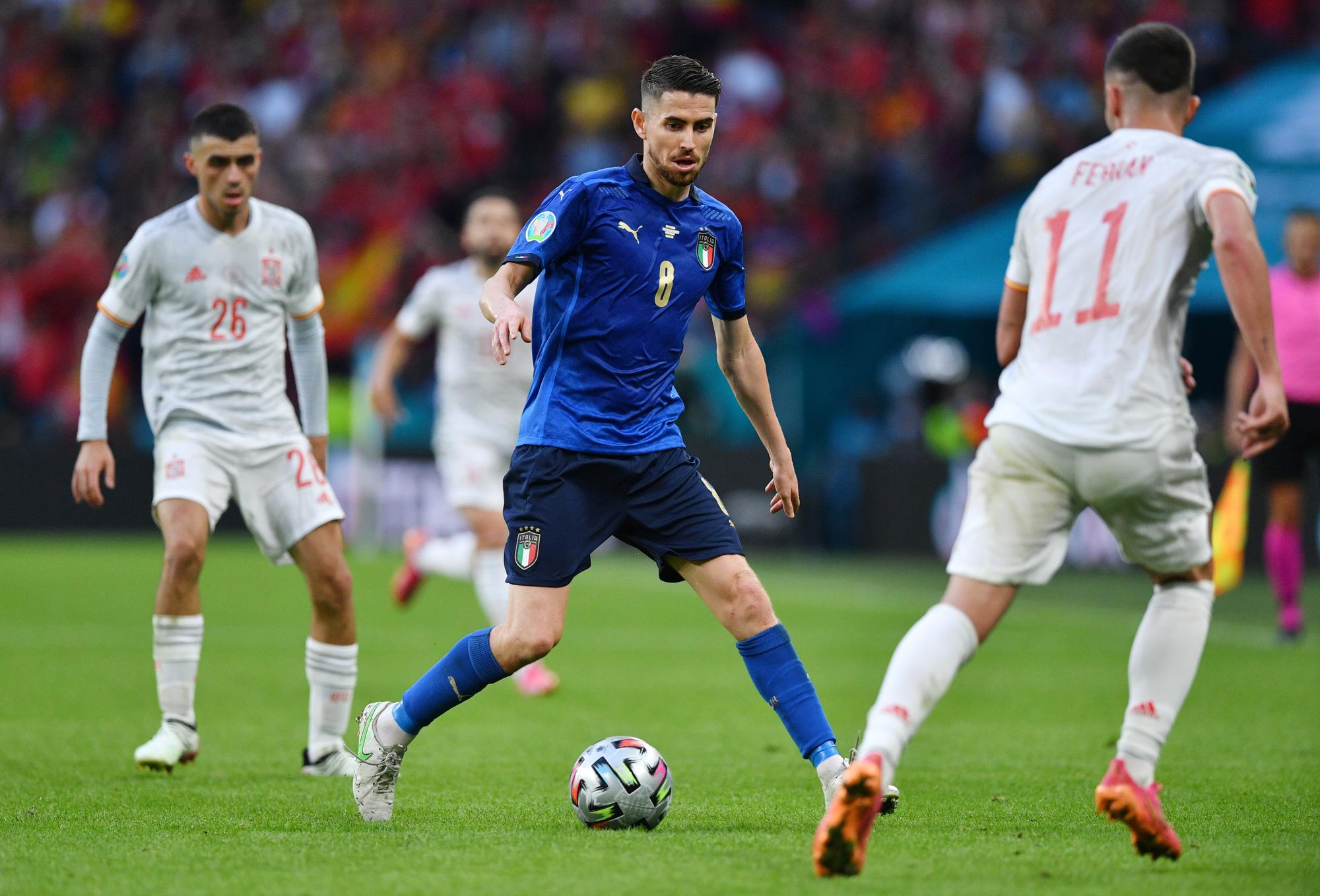 Sau ngôi vô địch Euro 2020, Jorginho không giấu giếm tham vọng của mình với danh hiệu Quả bóng vàng