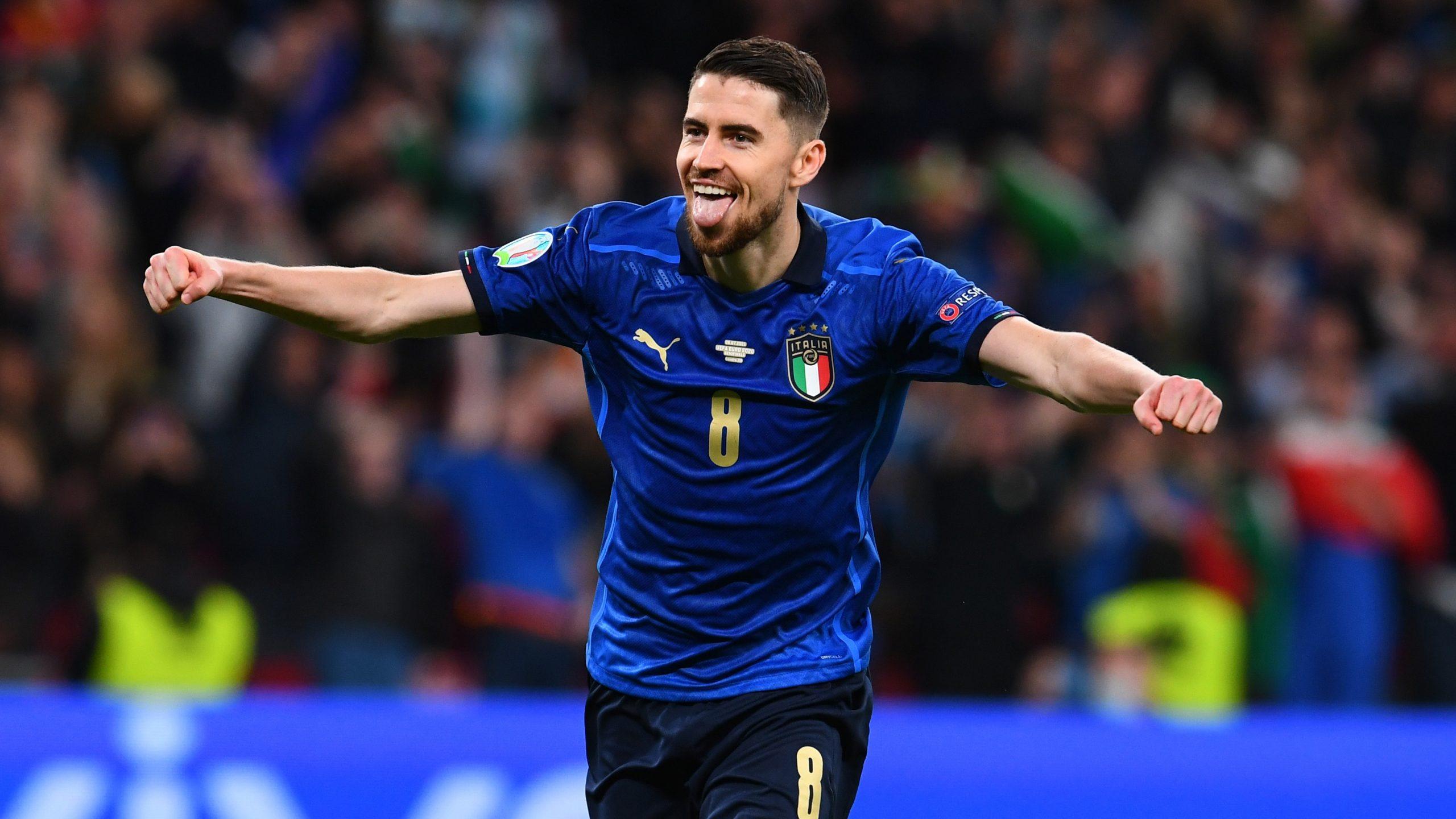 Euro 2020 là một mùa giải đáng nhớ của tiền vệ trung tâm Jorginho