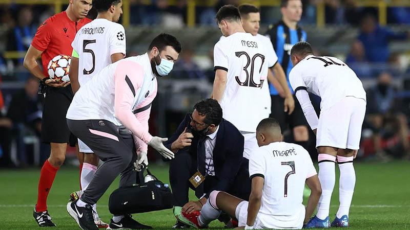 Mbappe chấn thương chân