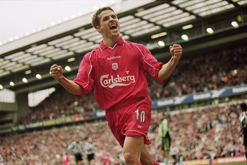 Owen là chủ nhân Quả bóng vàng năm 2001