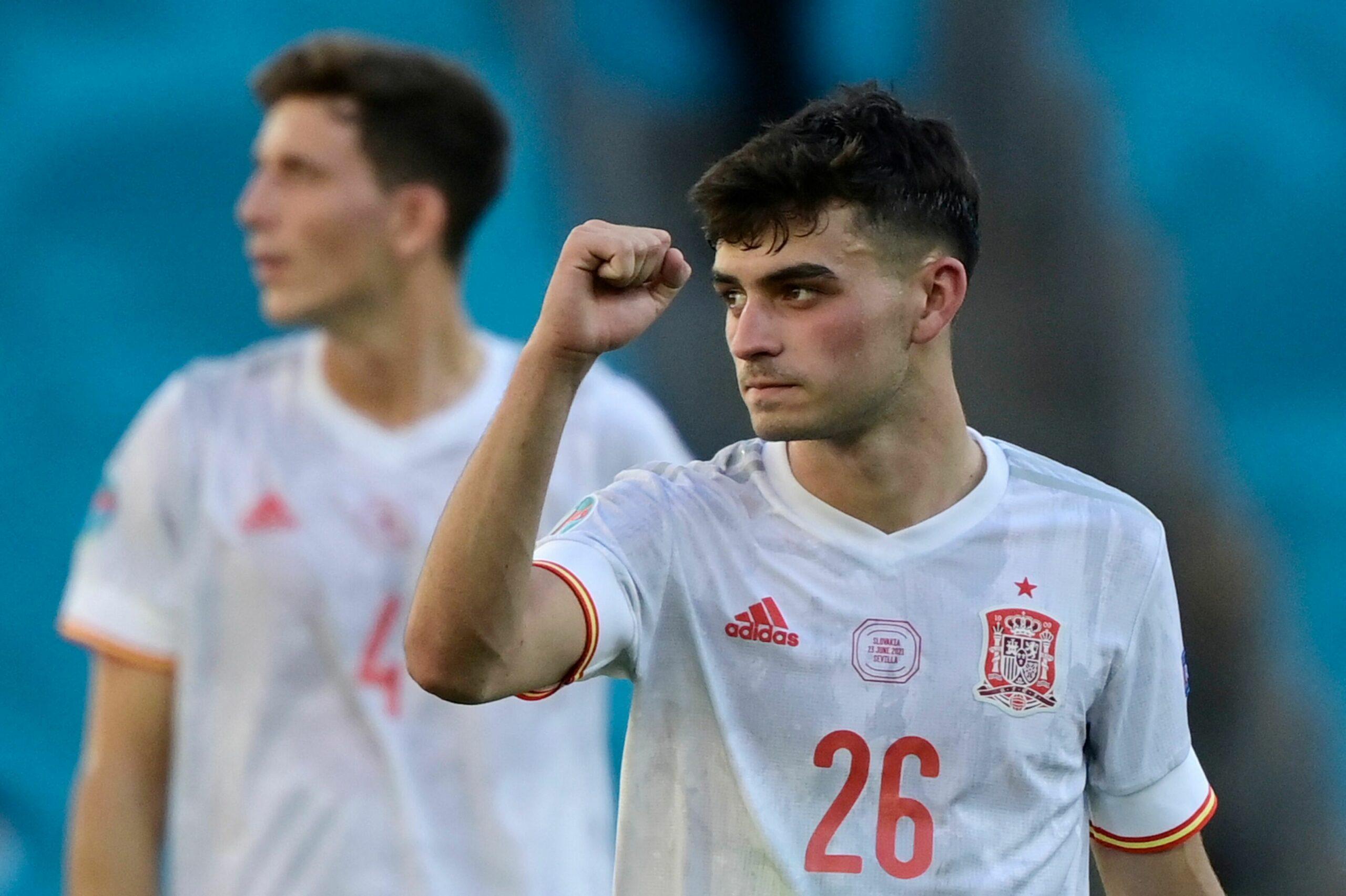 Trong mùa giải Euro 2020 hè qua, Pedri đã được bình chọn là cầu thủ trẻ xuất sắc nhất