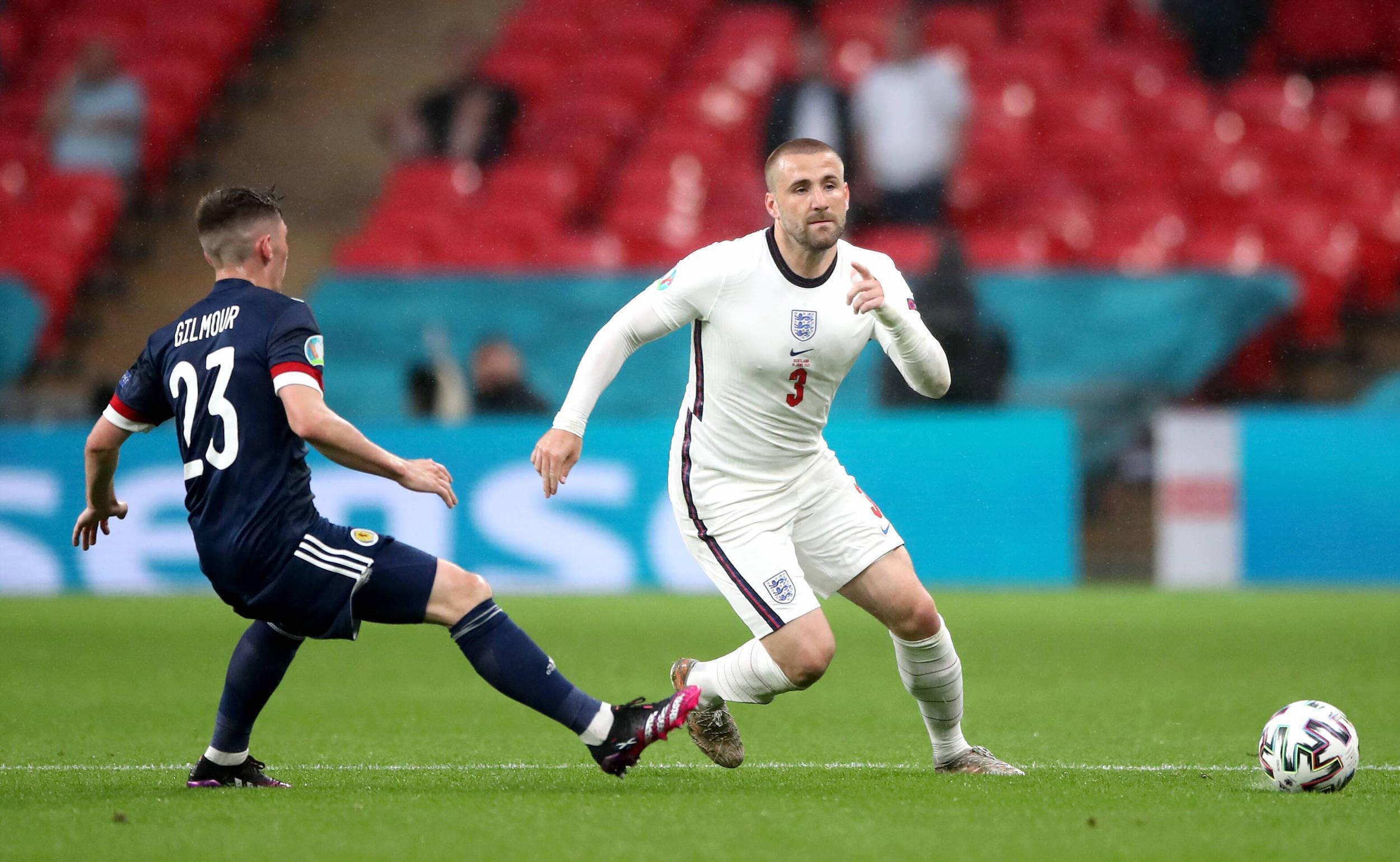Luke Shaw là người tạo cách biệt tỉ số đầu tiên trong trận chung kết Anh - Italia tại Euro 2020