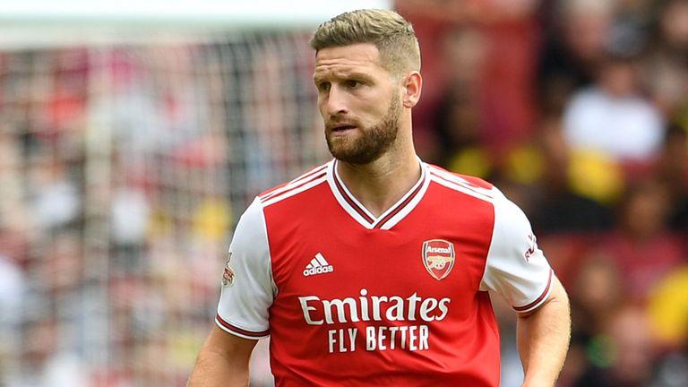 Shkodran Mustafi không được trọng dụng ở Arsenal