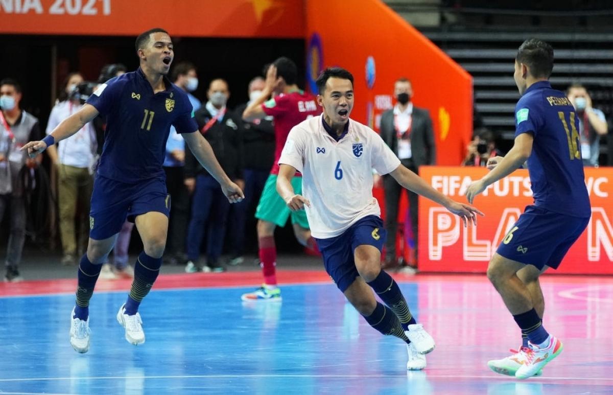 Đội tuyển Futsal Thái Lan và Việt Nam giành quyền vào trận 1/8