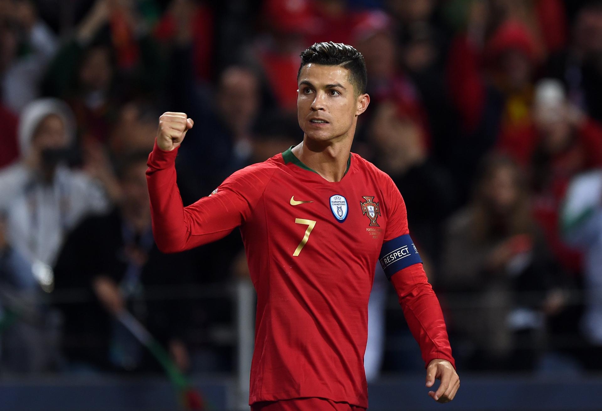 Đội hình tiêu biểu Euro 2020 của UEFA gây bất ngờ khi không có tên Ronaldo