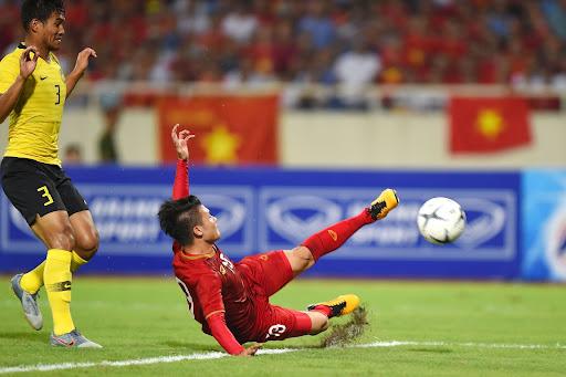Các cầu thủ của ĐTQG Việt Nam liên tục gặp chấn thương